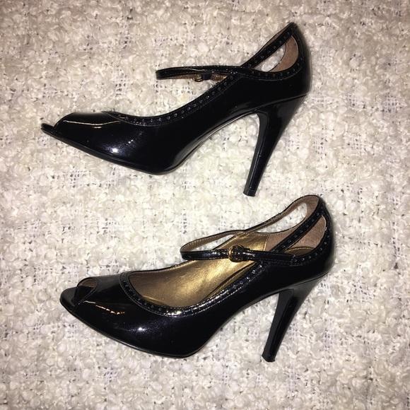 b75c34a4079 Linea Paolo black patent leather heels sz 7
